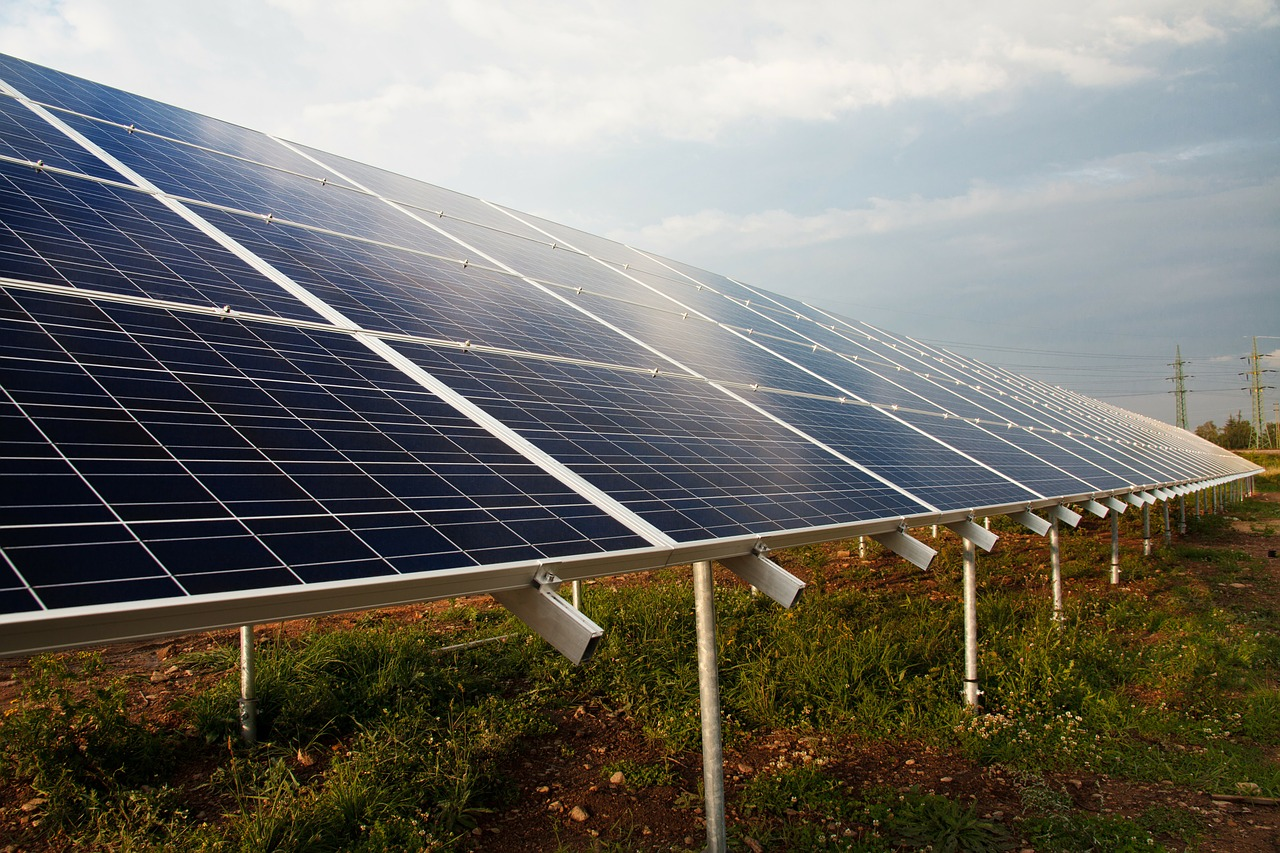 How solar panels can save the environment