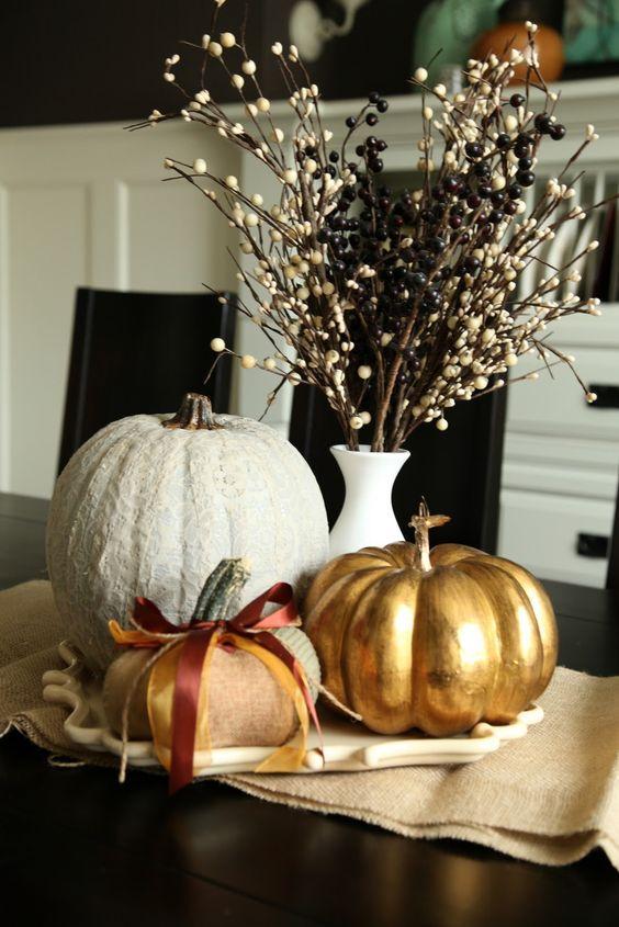pumpkins as dinner table decor for halloween