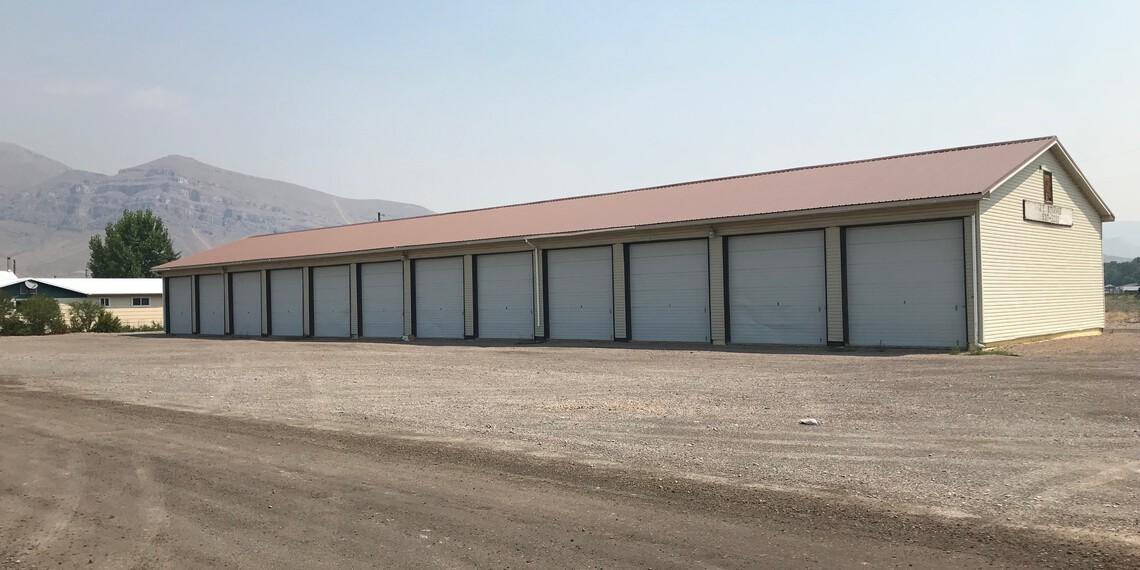 Large Enclosed Storage / Unit 14